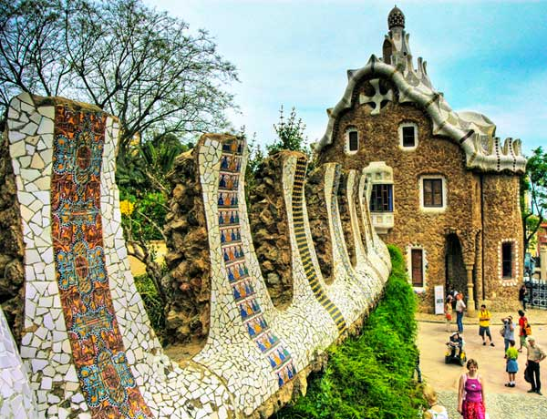 Apartments near the Guell Park in Barcelona - Places to visit near the Park Güell