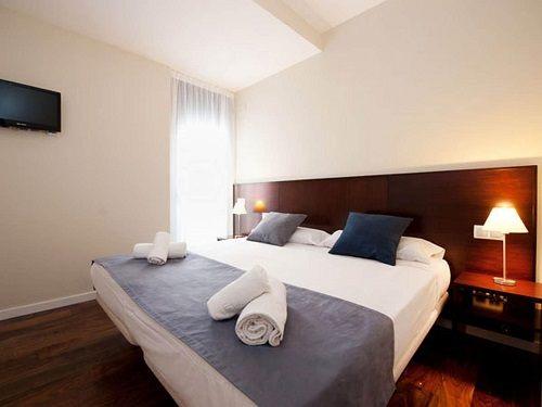 Apartments in Torroella – Torroella Accommodation