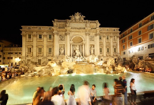 Rental holidays apartments near Trevi Fountain from 20€